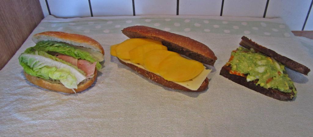 "<a href=""/rezepte/super-sandwiches-k%C3%A4se-mango"">Super-Sandwiches: Käse-Mango</a>"