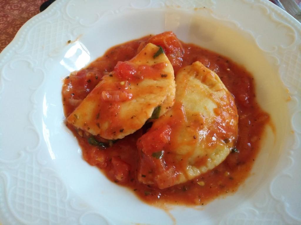 """<a href=""""/rezepte/ravioli-mit-spinat-ricotta-schafsk%C3%A4se-f%C3%BCllung"""">Ravioli mit Spinat-Ricotta-Schafskäse-Füllung</a>"""